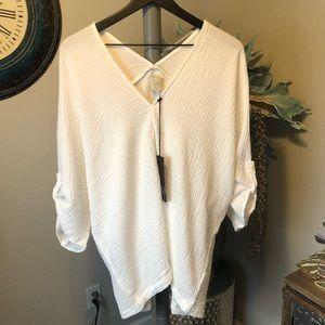 Tina + Jo  White double V pullover Tunic Top